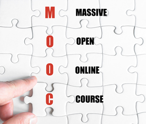 puzzle with the word MOOC