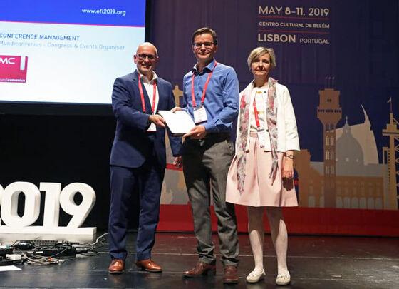 Asbjørn Christophersen mottar The Julia Bodmer Award i Lisboa