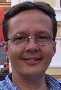 Bildet kan inneholde: briller, ansikt, hår, panne, briller.