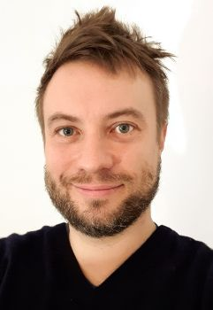 Portrait photo of Martin
